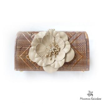 BG010 Flower Point Wicker Clutch